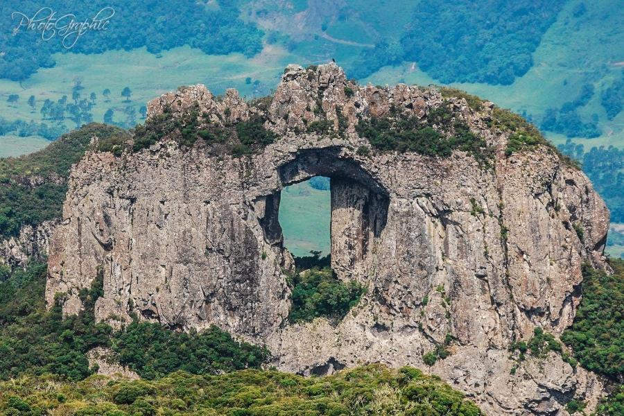 Morro da Pedra Furada
